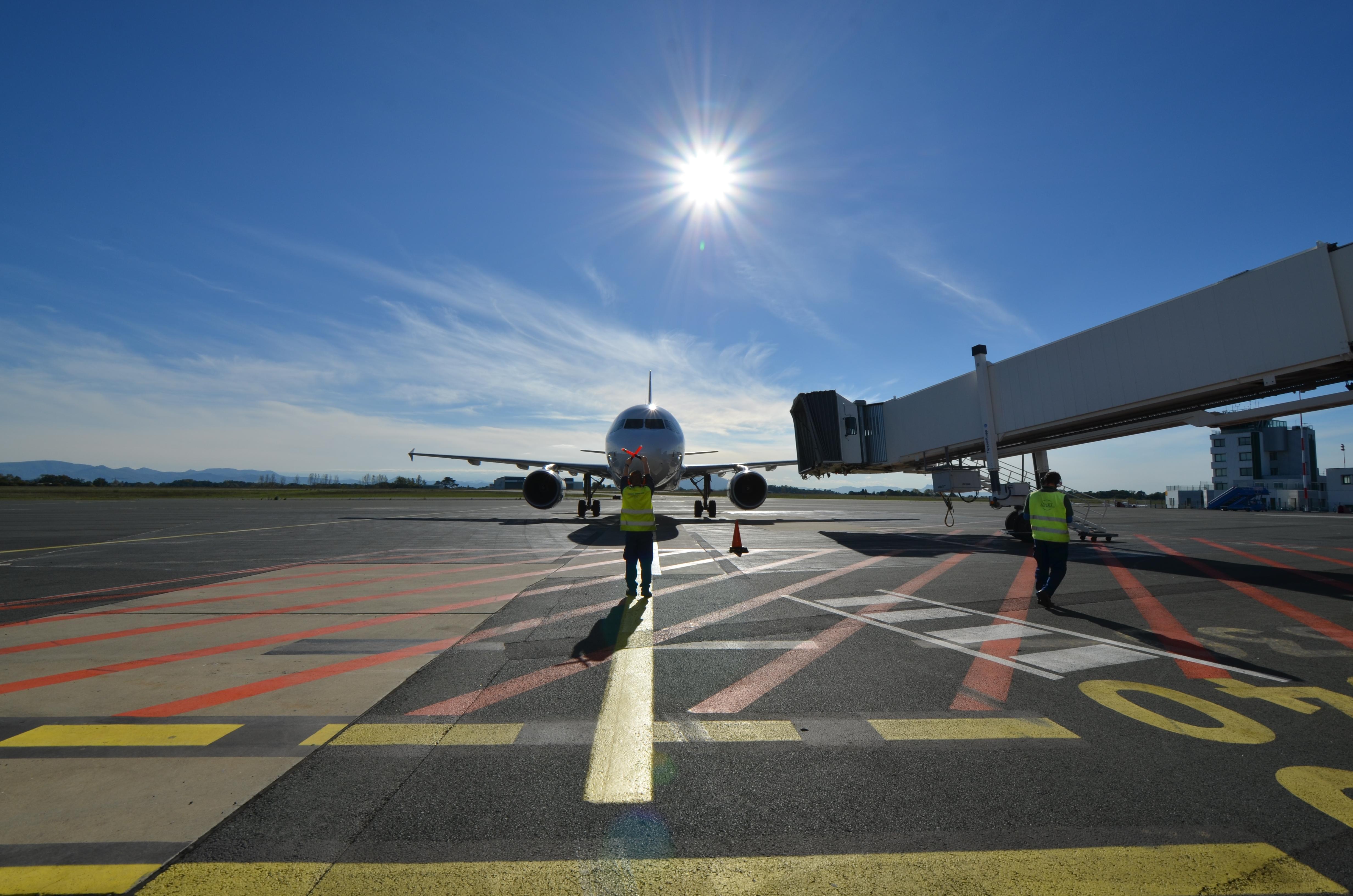 les aeroports de l uaf biarritz anglet bayonne