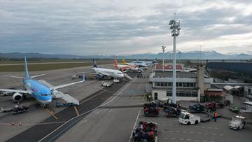 les aeroports de l uaf grenoble isere